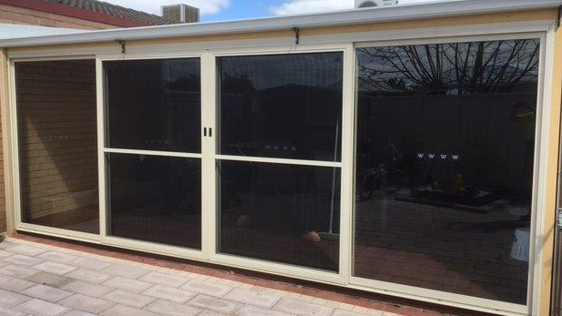 Magnolia 4lite Closed - Aluminium Glass Doors Perth